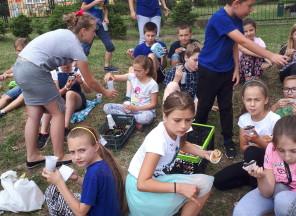 Piknikowo… w klasie 4c…